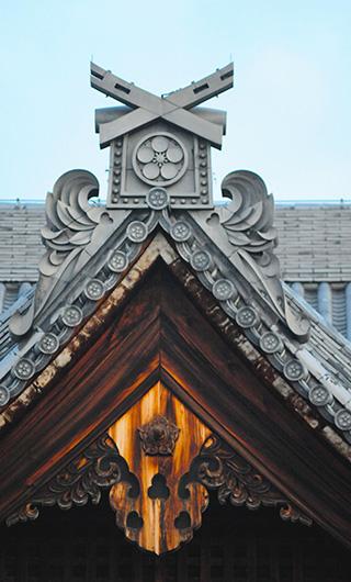神殿の屋根瓦