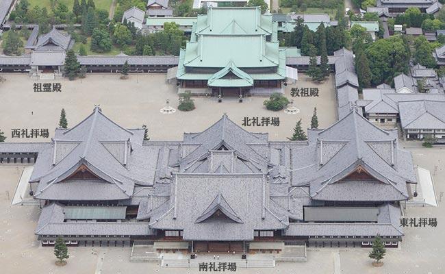 神殿を中心とする境内