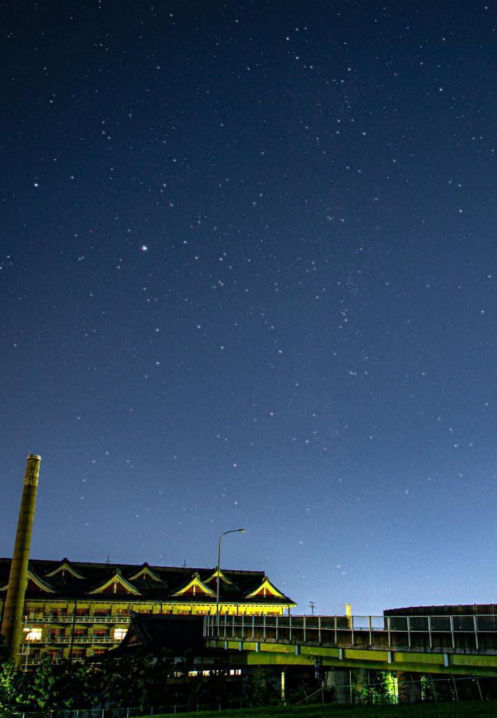 神殿北西・乗降場<br>降り注ぐ満天の星