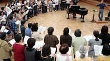 「おうた演奏会兵庫公演」に向けて、合唱団は5回の合同練習日を設けた(4月21日、おやさとやかた東右第1棟で)