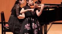 第50回演奏会では、生徒とOB43人が出演した(5月12日、天理市民会館で)