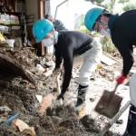 続報・災救隊福岡教区隊 九州北部豪雨の被災地へ 7月11日 民家での復旧作業