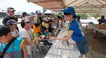 親里の各所には「お茶所」が設けられ、子供たちに冷たいお茶が提供される